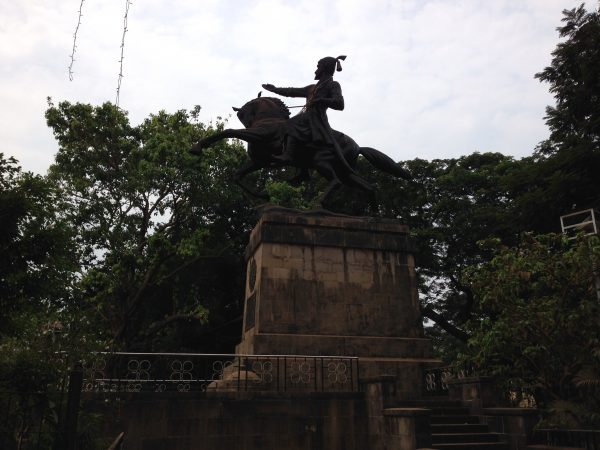 9-Maximum-City-Shivaji-Statue